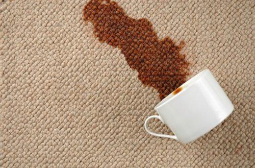 А вот с кофе лучше всего справится нашатырный спирт