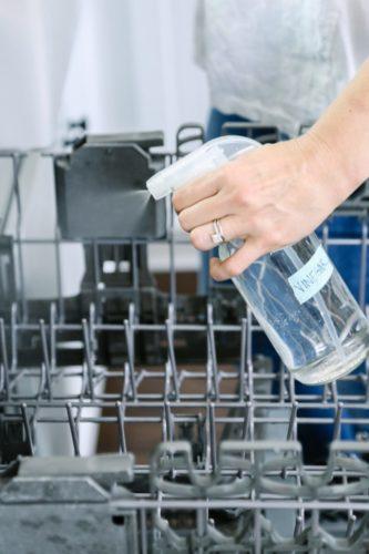 Как и чем промыть посудомойку