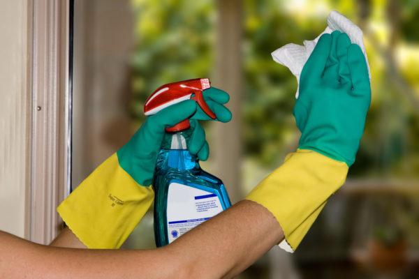 Не забудьте надеть защитные перчатки