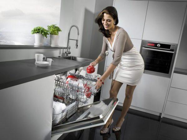 Как мыть тарелки – бытовая химия и специфические моющие средства
