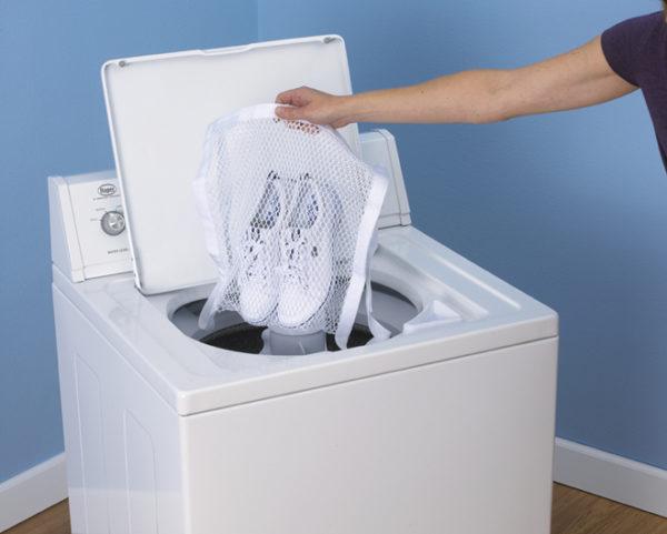 Практически любые кроссовки можно стирать в машинке