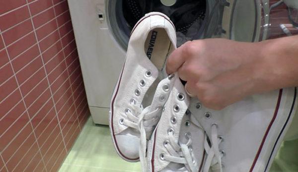 Стирать можно только качественную тканевую обувь