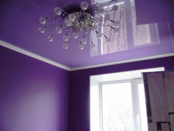 Для глянцевого потолка важен блеск