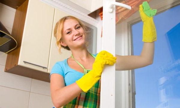 Мытье стекол в весенний период