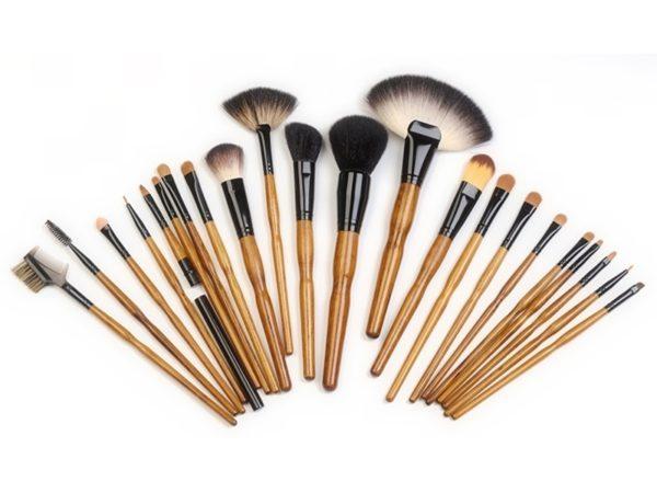 Уход за макияжными кистями