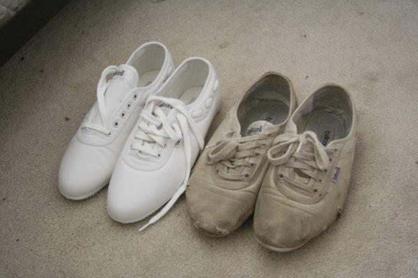 Чем отмыть белые кроссовки