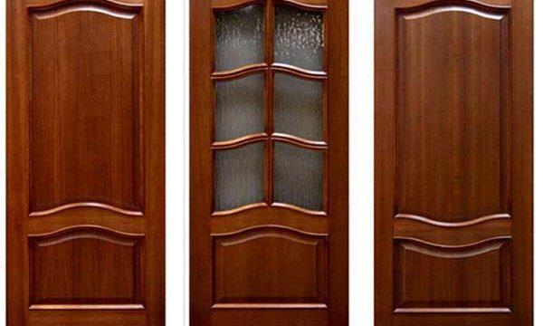 Мытье деревянных дверей