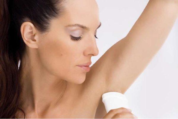 Надевайте одежду после того, как высохнет дезодорант!