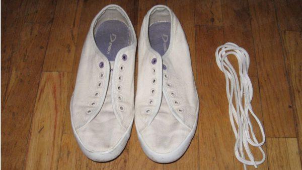 Обувь отдельно, шнурки отдельно