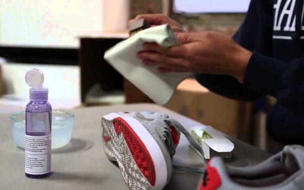 После стирки нужно обработать обувь водоотталкивающим средством