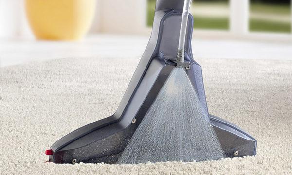 Ковер вычистите моющим пылесосом