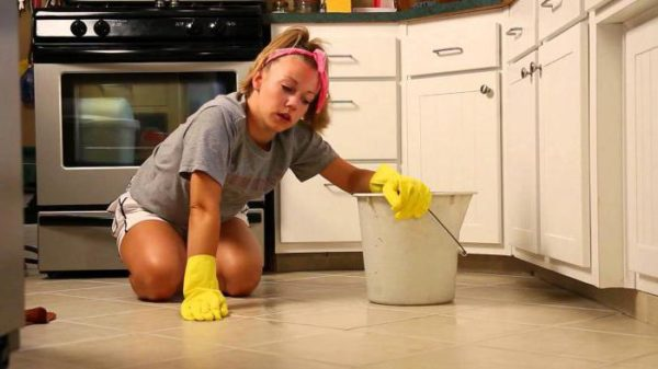 Можно ли делать уборку вечером?