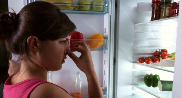 Плохо пахнет из холодильника? Мы знаем, что делать!