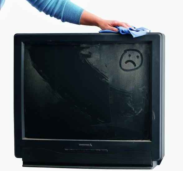 Телевизору тоже нужна чистка