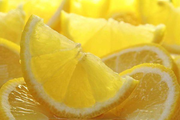 Лимонный сок также эффективен