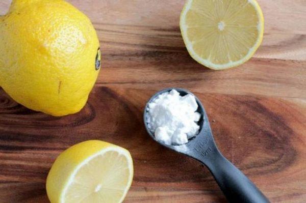 Не знаете, чем отстирать помаду? Поможет сода и лимон!