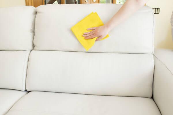 Влажная уборка мягкой мебели